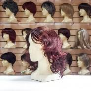 Искусственный парик с длинными волосами каштанового цвета
