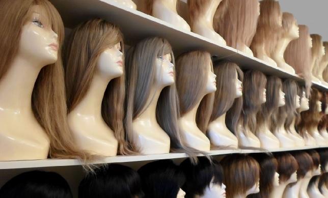 Недорого купить парик из искусственных волос